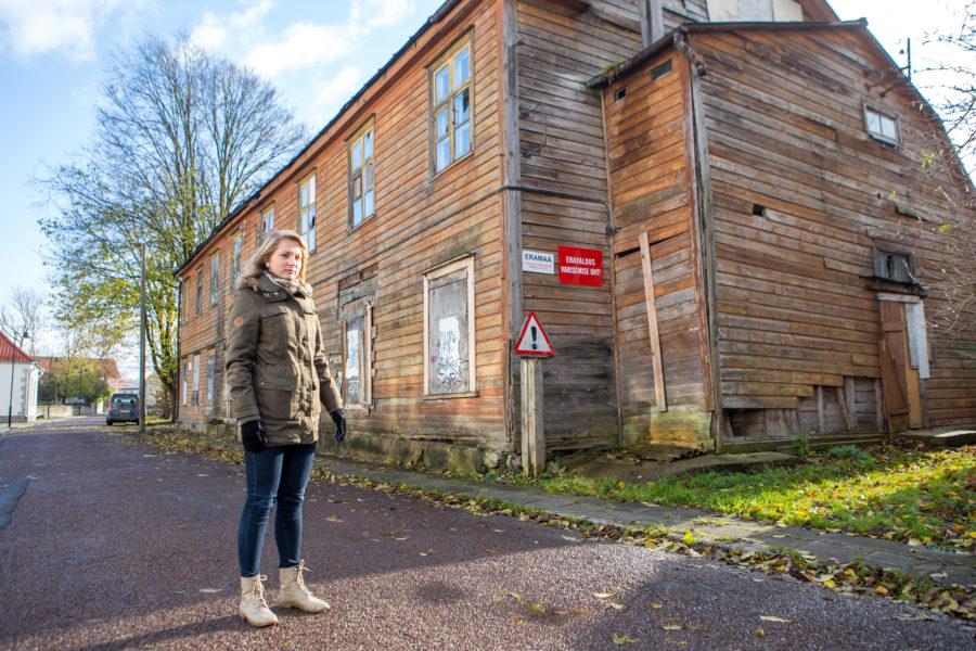 Gümnaasiumi vana tööõpetusmaja läks lammutamisele