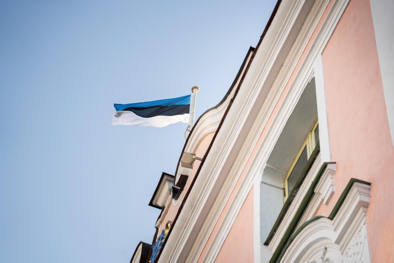 Marko Mihkelson ja Kalle Laanet tuleb komisjonide aseesimehe kohalt tagasi kutsuda