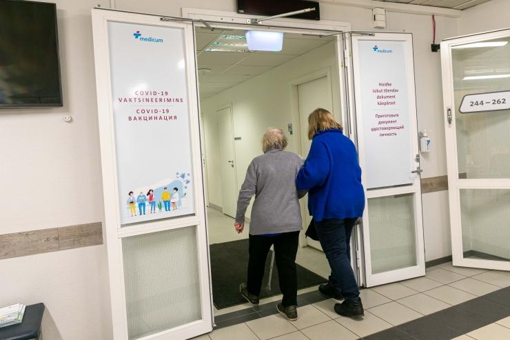 Tänasest tõuseb 44-aastase staažiga vanaduspension keskmiselt 24 eurot. Kasvab ka pensionilisa lapse kasvatamise eest.