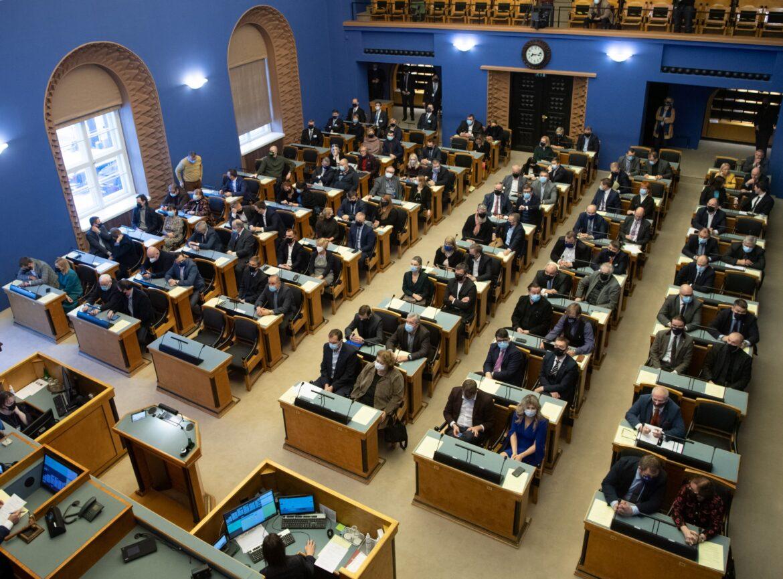 Riigikogus läbis esimese lugemise ajutise haigushüvitise maksmiskorra pikendamine
